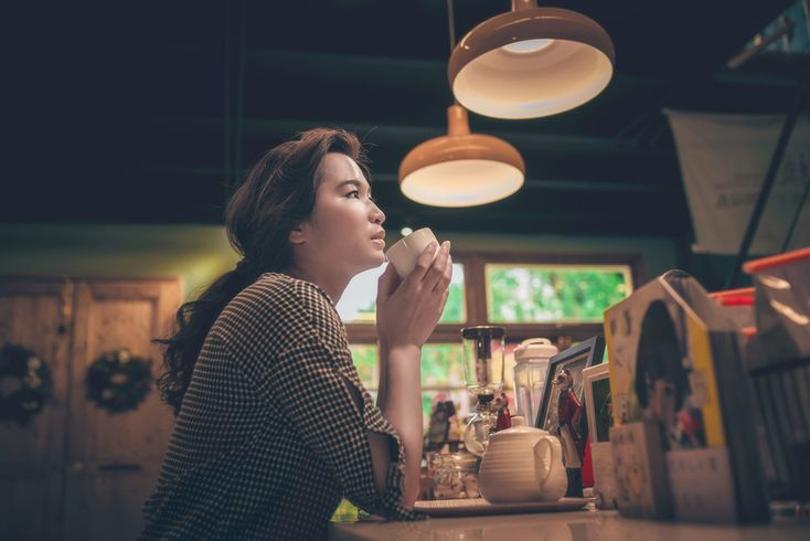 カフェ 休日