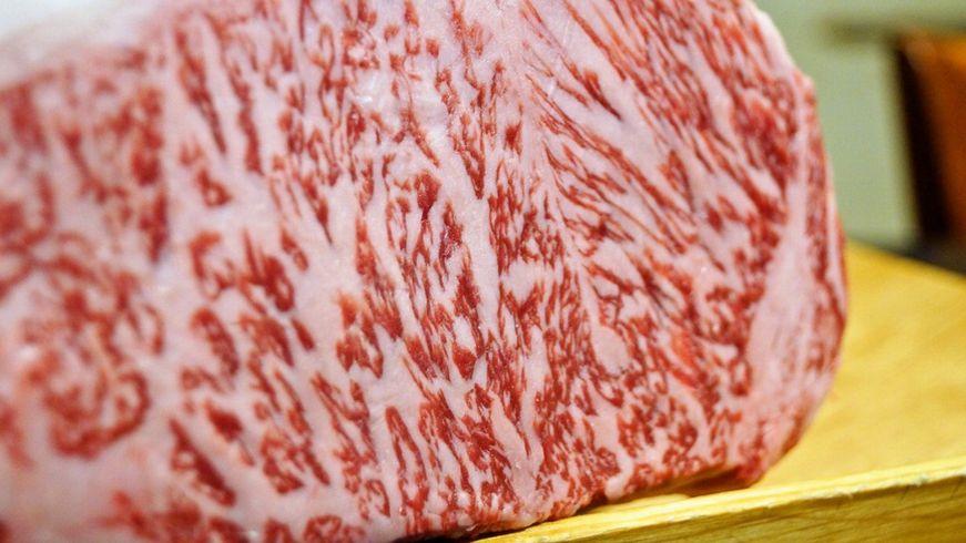 休日 肉料理